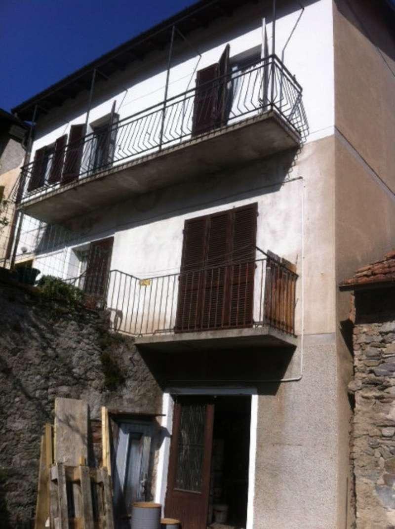 Appartamento in vendita a Dumenza, 2 locali, prezzo € 65.000 | CambioCasa.it