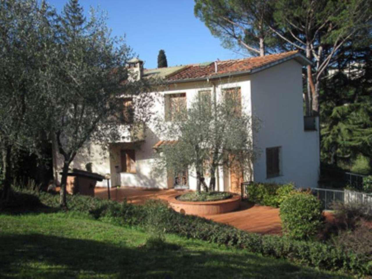 Villa in affitto a Firenze, 9 locali, zona Zona: 19 . Poggio imperiale, Porta Romana, Piazzale Michelangelo, prezzo € 4.000 | Cambio Casa.it