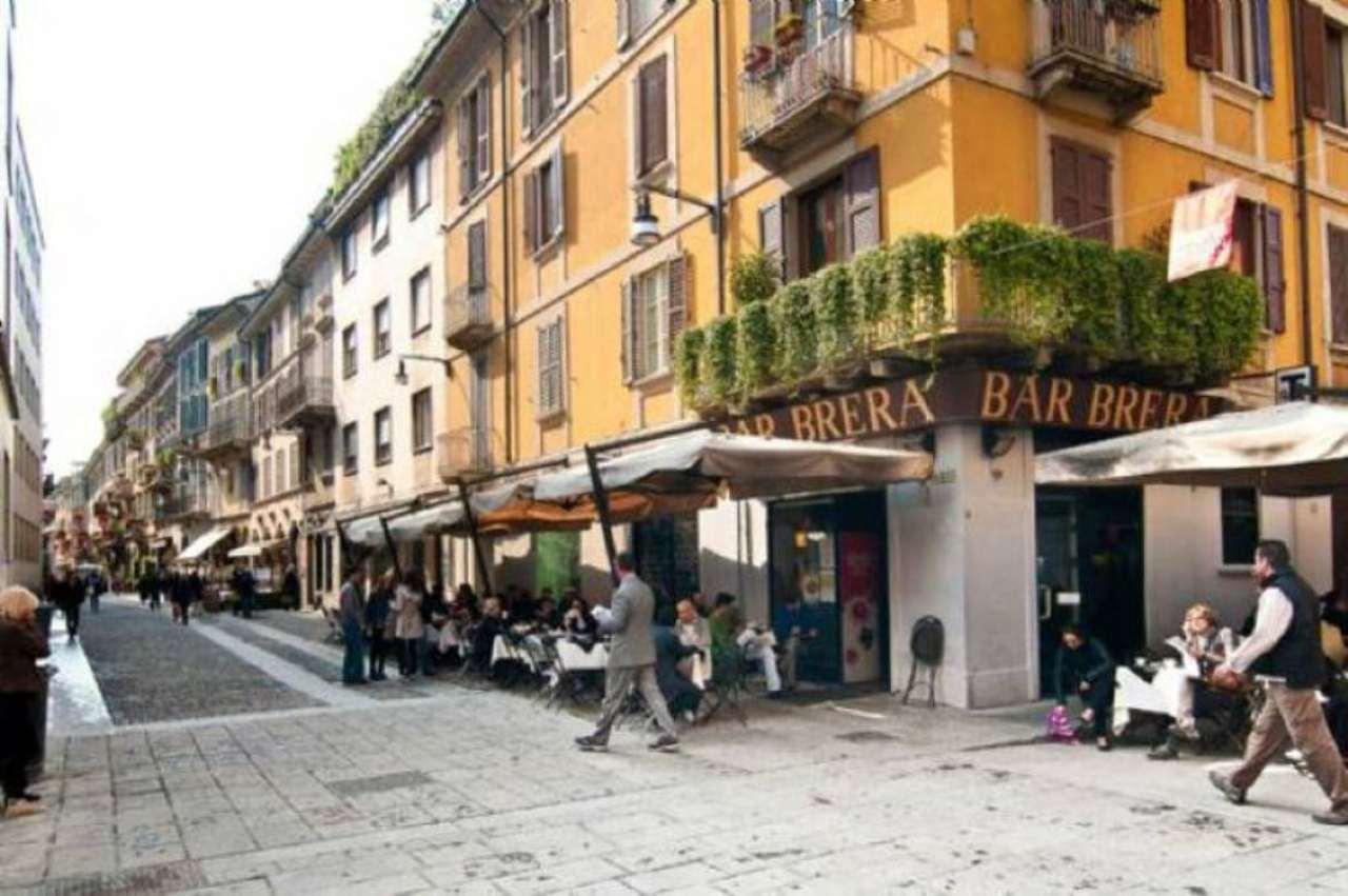 Bilocale Milano Via Fiori Oscuri 1