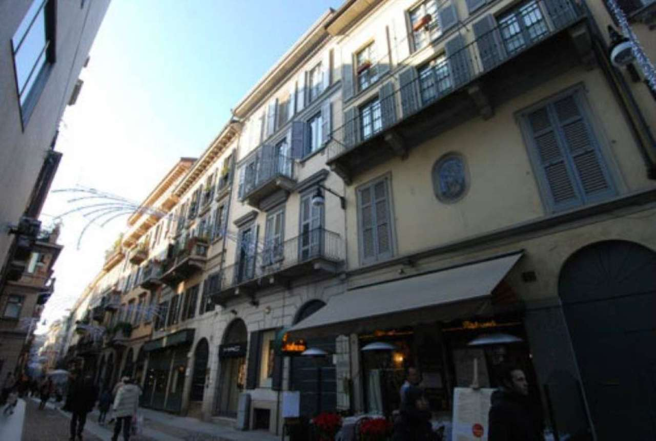 Bilocale Milano Via Fiori Oscuri 2