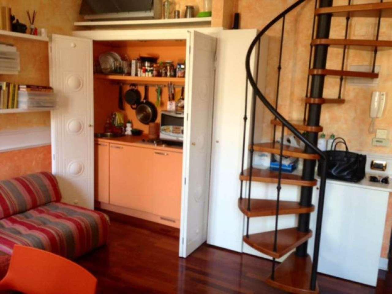 Bilocale Milano Via Fiori Oscuri 5
