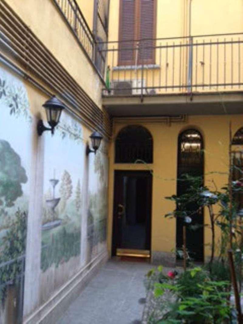 Bilocale Milano Via Fiori Oscuri 7