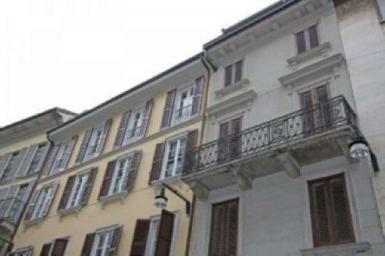 Bilocale Milano Via Fiori Oscuri 11
