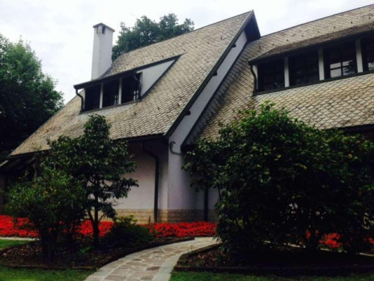 Villa in vendita a Dresano, 10 locali, Trattative riservate | CambioCasa.it