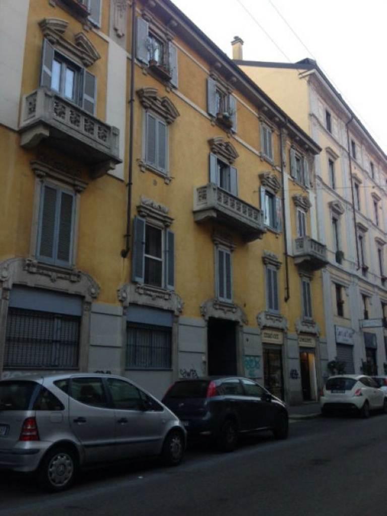 Bilocale Milano Via Nino Bixio 1