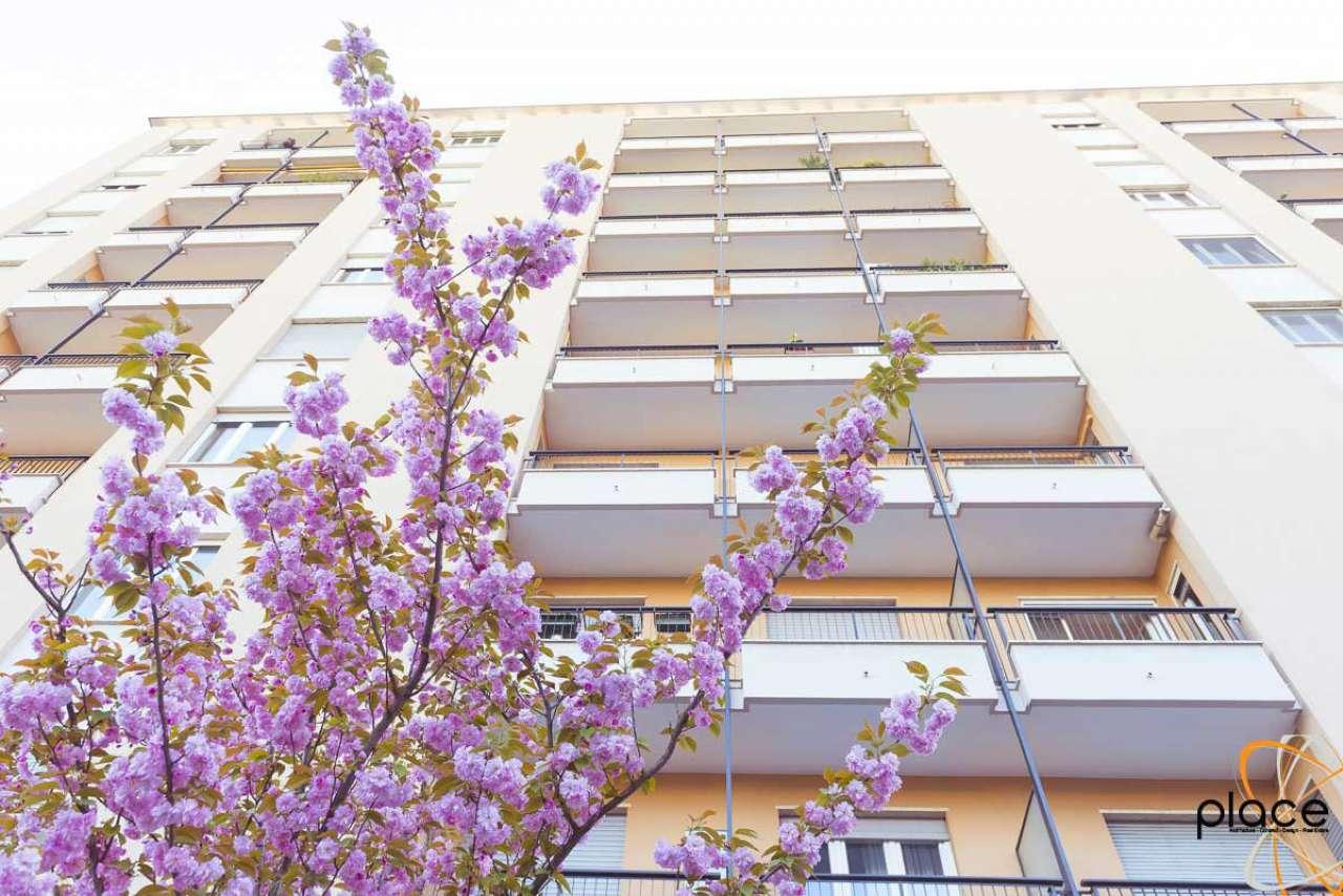 Appartamento in affitto a Milano, 2 locali, zona Zona: 12 . De Angeli, Vercelli, Washington, Sicilia, S. Michele del Carso, prezzo € 1.350 | Cambio Casa.it