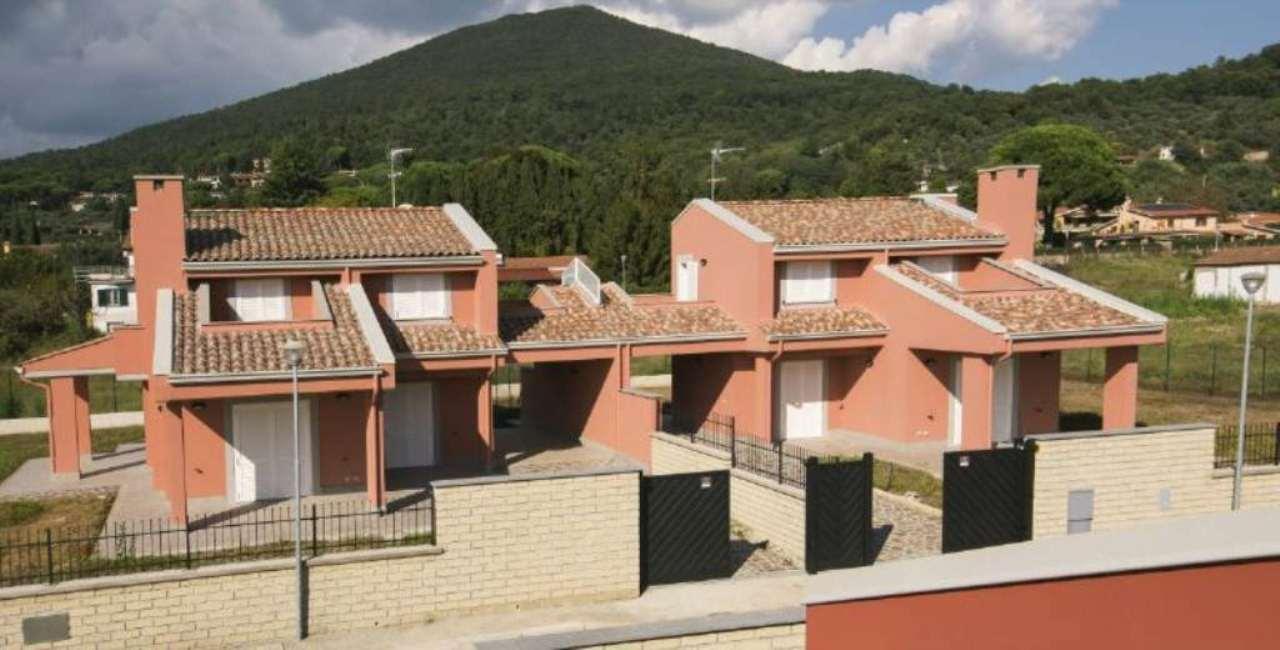 Villa a Schiera in Vendita a Trevignano Romano