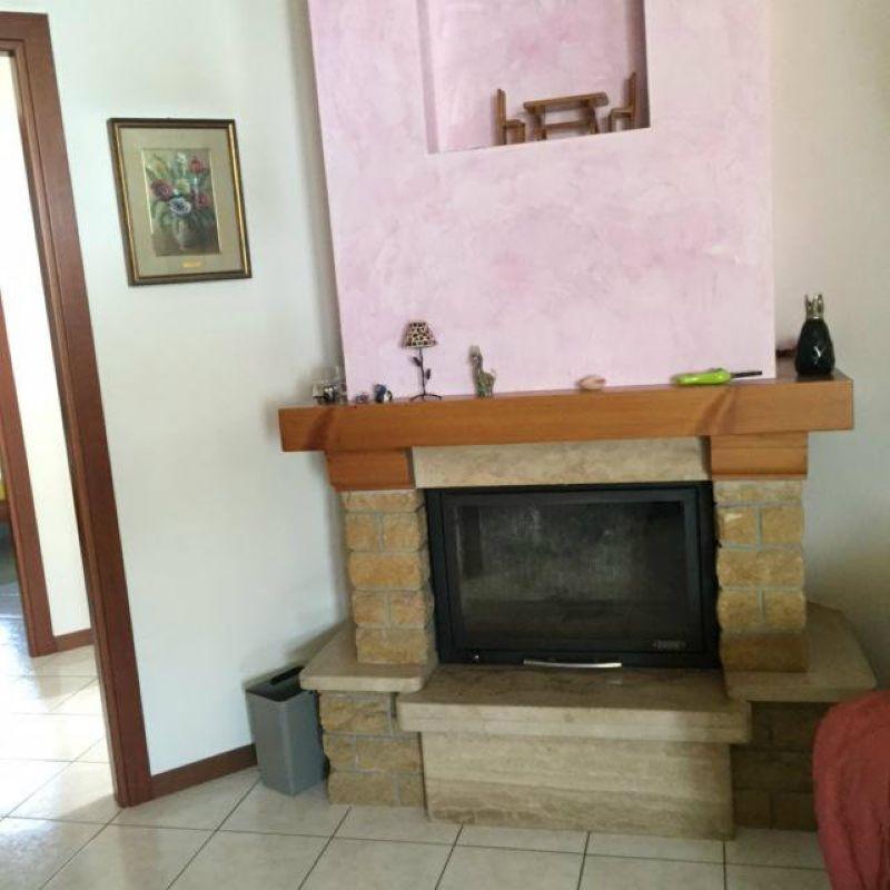 Villa Bifamiliare in vendita a San Rocco al Porto, 5 locali, prezzo € 230.000   CambioCasa.it