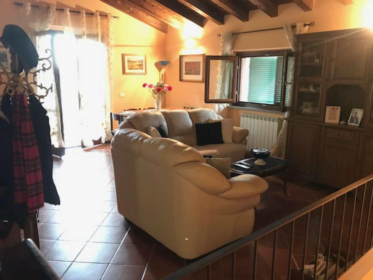 Appartamento in vendita a Gragnano Trebbiense, 3 locali, prezzo € 125.000 | CambioCasa.it