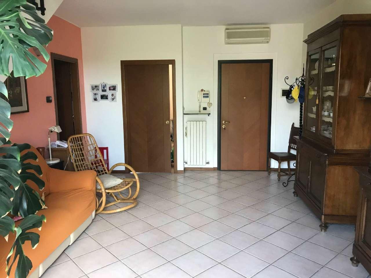 Appartamento in vendita a Pontenure, 5 locali, prezzo € 189.000 | CambioCasa.it