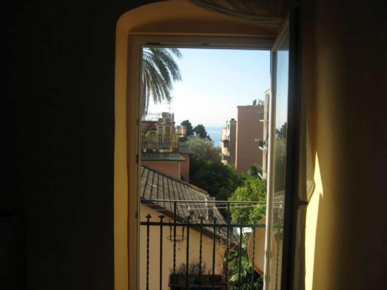 Appartamento in affitto a Genova, 5 locali, prezzo € 750 | Cambio Casa.it