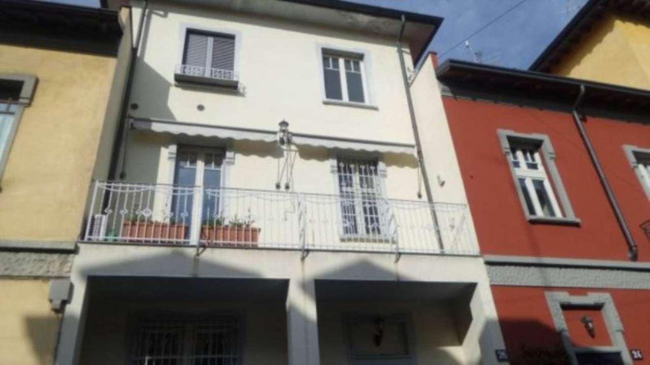 Villa in affitto a Milano, 7 locali, zona Zona: 12 . De Angeli, Vercelli, Washington, Sicilia, S. Michele del Carso, prezzo € 5.400 | Cambio Casa.it