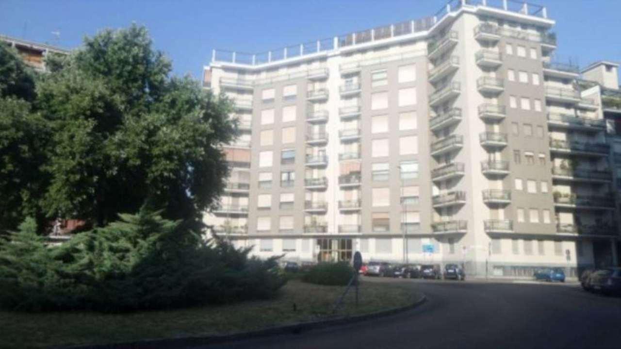 Appartamento in vendita a Milano, 4 locali, zona Zona: 12 . De Angeli, Vercelli, Washington, Sicilia, S. Michele del Carso, prezzo € 720.000 | Cambio Casa.it