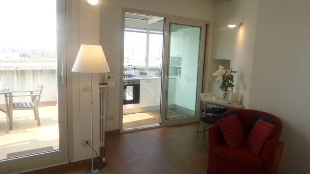 Appartamento in affitto a Milano, 2 locali, zona Zona: 6 . V Giornate, XXII Marzo, P.ta Romana, Viale Corsica, Tribunale, Policlinico, prezzo € 1.400 | Cambio Casa.it