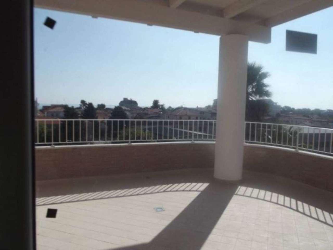 Attico / Mansarda in vendita a Tortoreto, 3 locali, prezzo € 125.000   Cambio Casa.it
