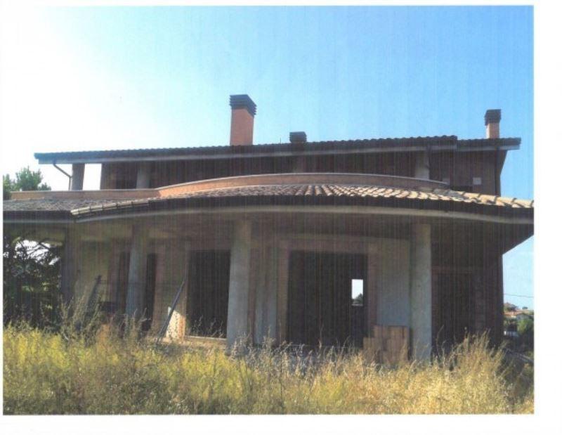 Villa in vendita a Tortoreto, 6 locali, prezzo € 295.000 | CambioCasa.it
