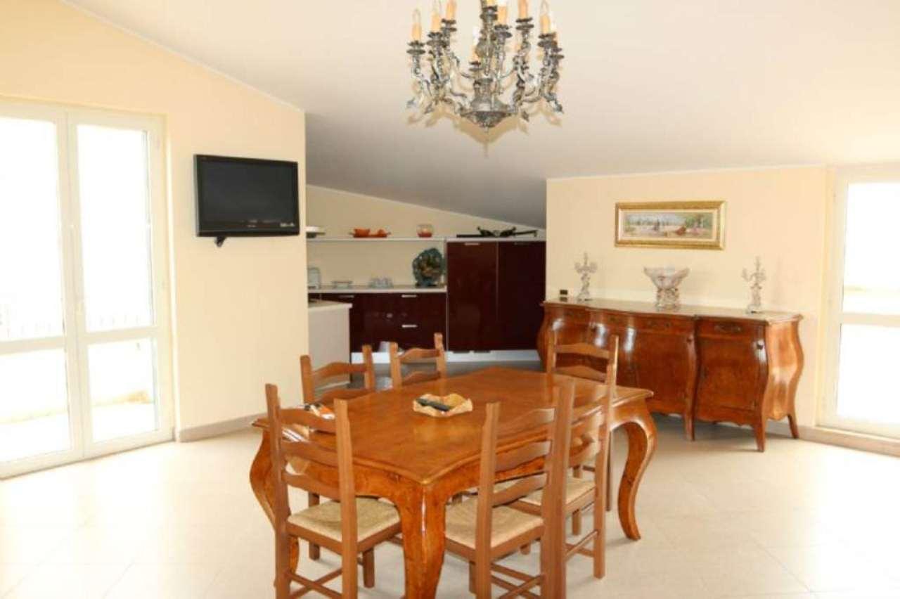 Attico / Mansarda in vendita a Tortoreto, 4 locali, prezzo € 169.000 | Cambio Casa.it