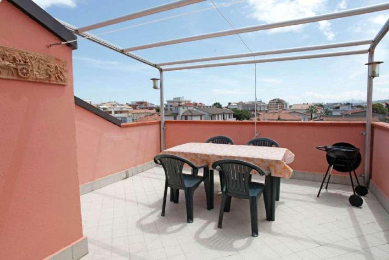 Attico / Mansarda in vendita a Tortoreto, 3 locali, prezzo € 95.000 | Cambio Casa.it