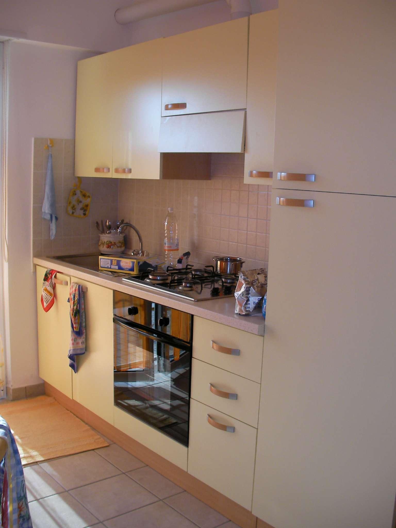 Appartamento in affitto a Tortoreto, 2 locali, prezzo € 350 | Cambio Casa.it