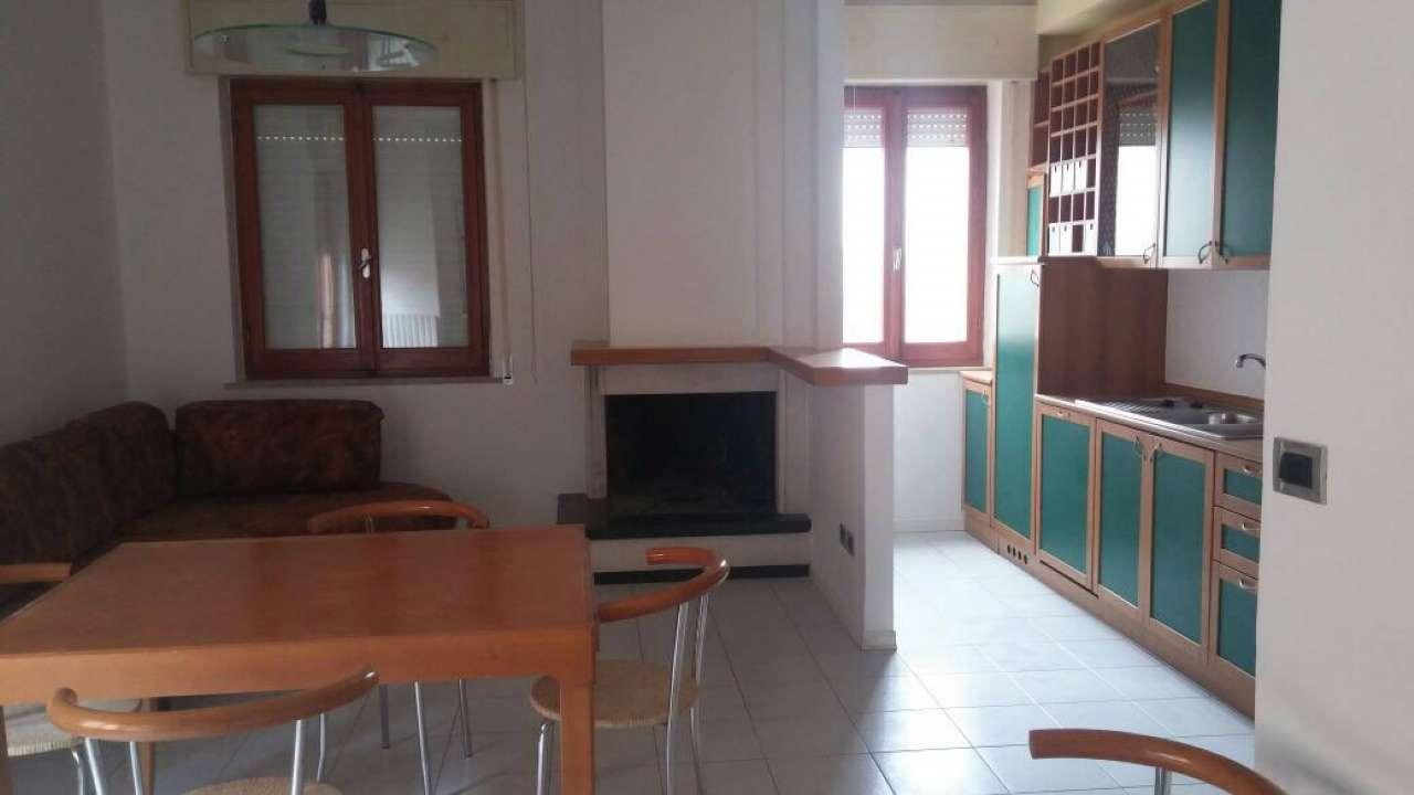 Appartamento in affitto a Nereto, 5 locali, prezzo € 450 | Cambio Casa.it