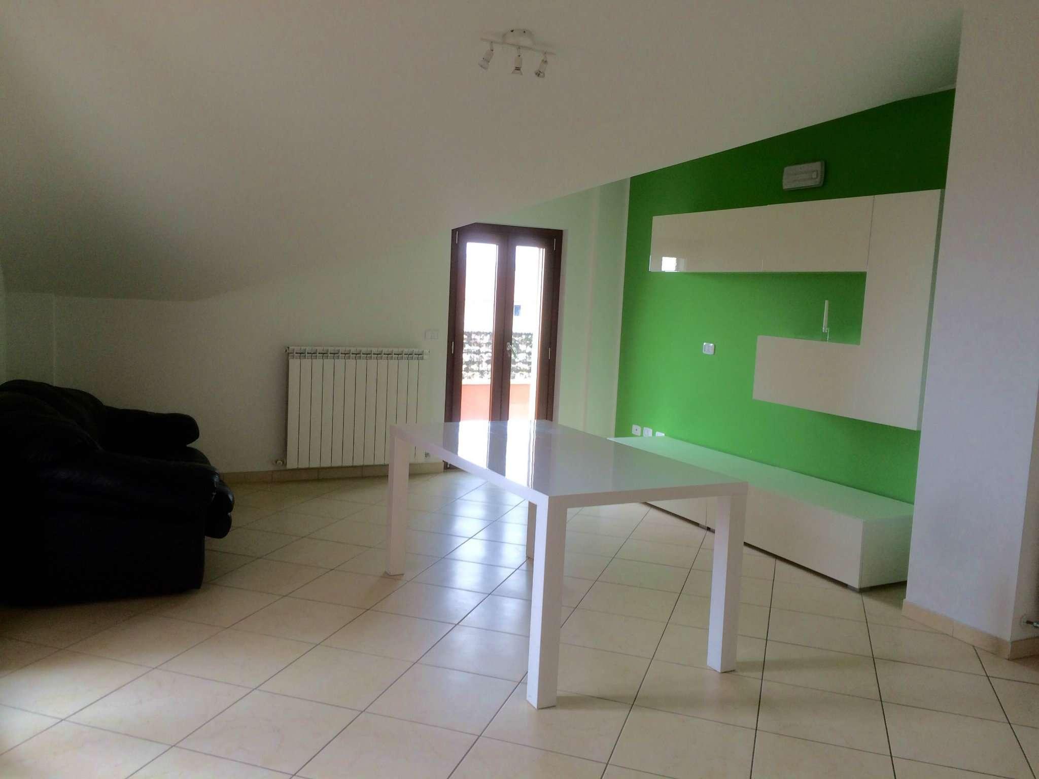 Appartamento in vendita a Nereto, 4 locali, prezzo € 145.000 | CambioCasa.it