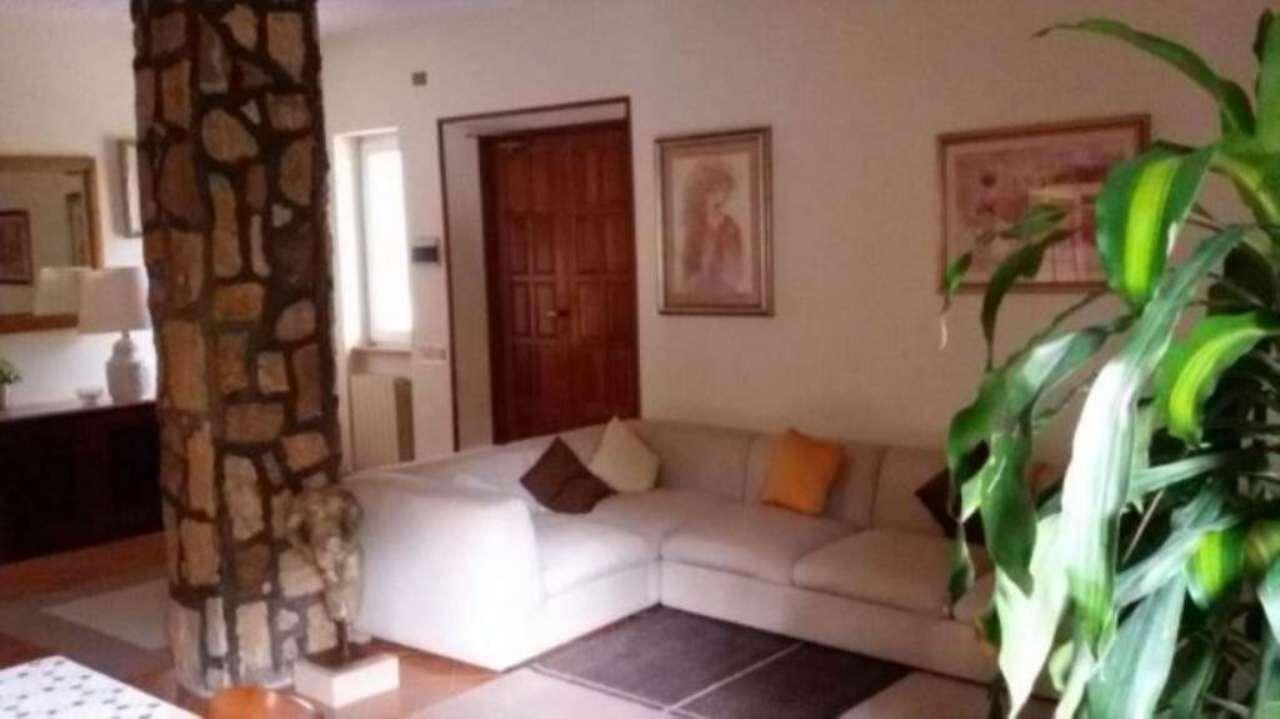 Villa in vendita a Tivoli, 6 locali, prezzo € 550.000 | Cambio Casa.it