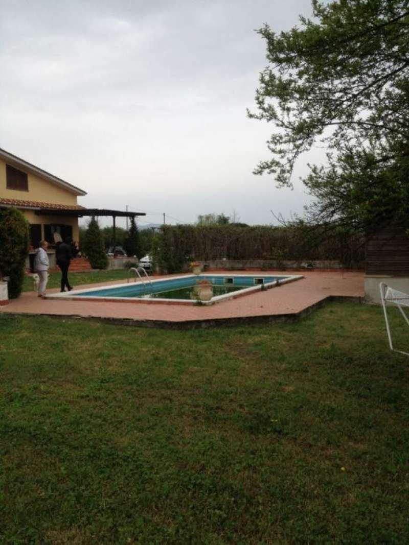 Villa in vendita a Mazzano Romano, 8 locali, prezzo € 380.000 | Cambio Casa.it