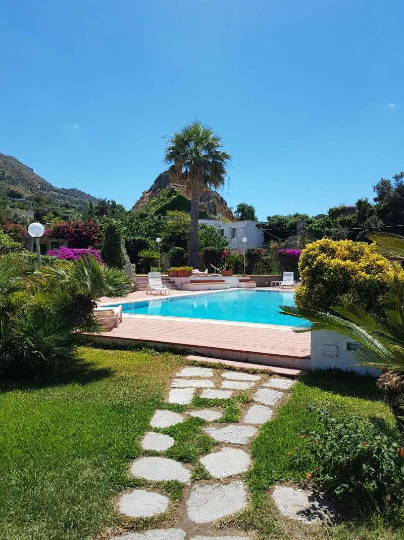 Appartamento in vendita a Forio, 5 locali, prezzo € 230.000 | CambioCasa.it