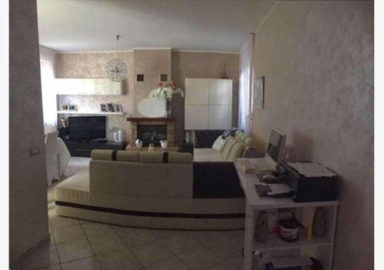 Soluzione Indipendente in vendita a Varese, 5 locali, prezzo € 215.000   Cambio Casa.it