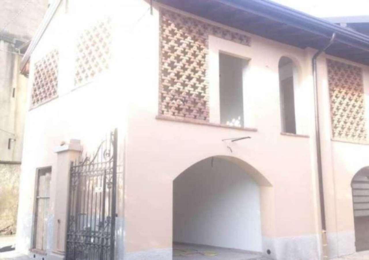 Soluzione Indipendente in vendita a Gazzada Schianno, 2 locali, prezzo € 119.000 | Cambio Casa.it