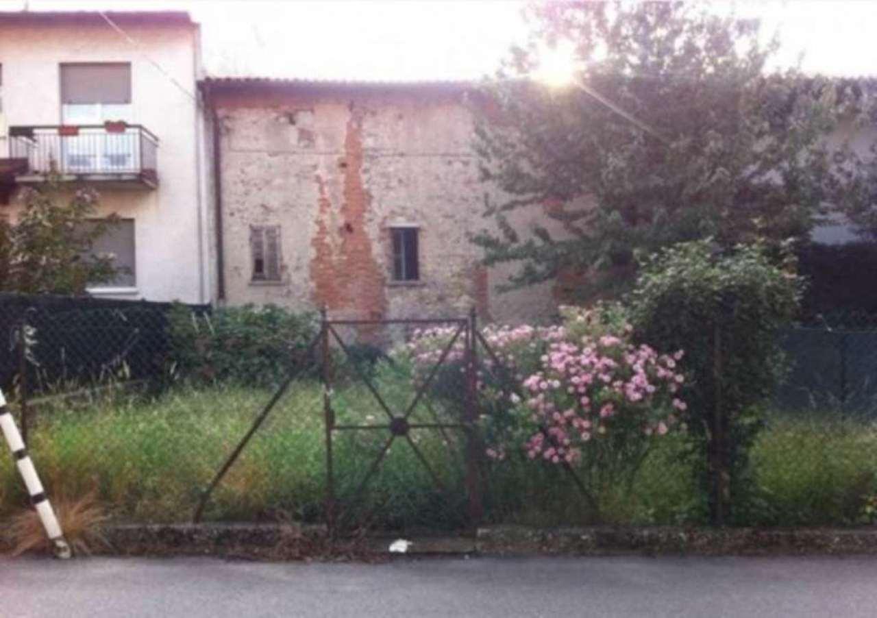Soluzione Indipendente in vendita a Gavirate, 4 locali, prezzo € 85.000 | Cambio Casa.it