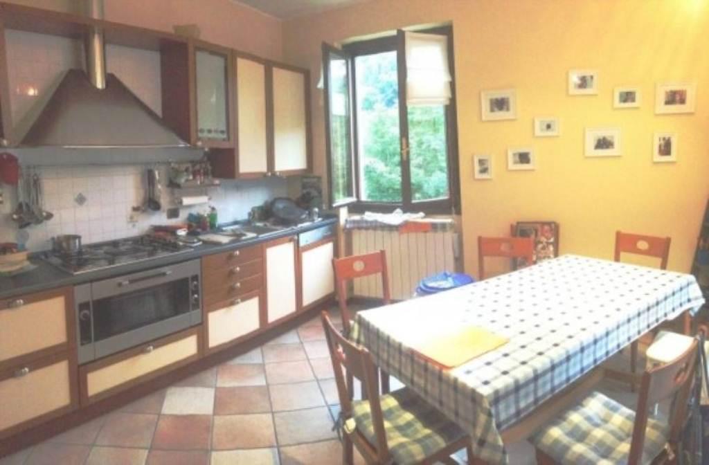 Soluzione Indipendente in vendita a Varese, 4 locali, prezzo € 195.000   Cambio Casa.it