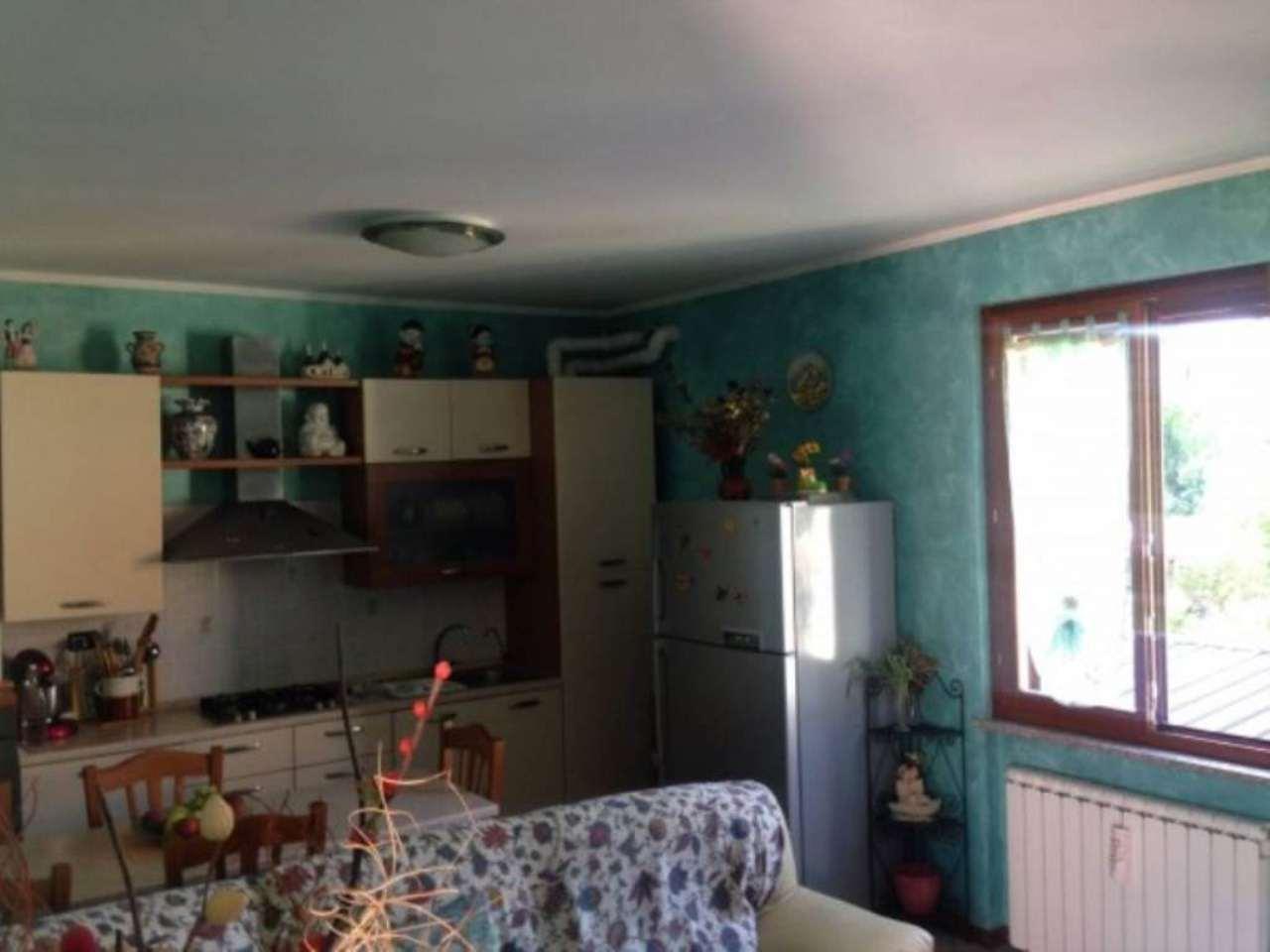 Appartamento in vendita a Azzate, 3 locali, prezzo € 128.000 | Cambio Casa.it
