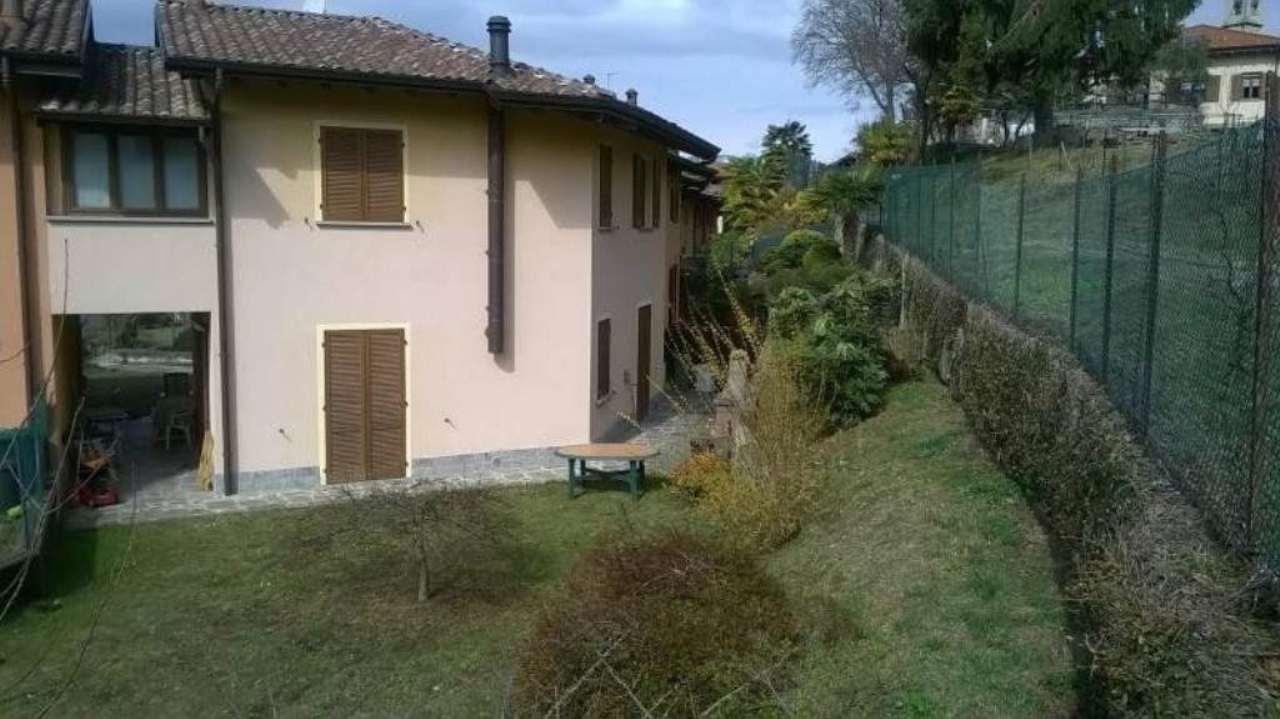 Villa a Schiera in vendita a Montegrino Valtravaglia, 5 locali, prezzo € 248.000 | Cambio Casa.it