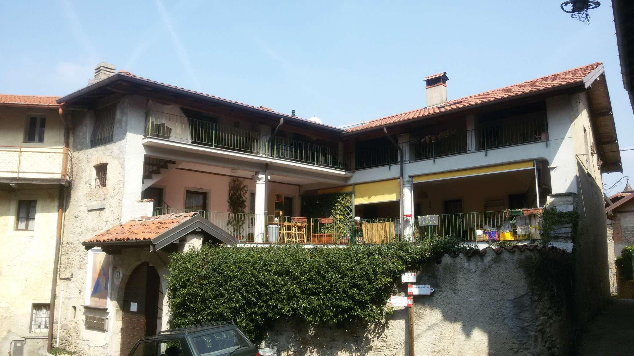 Appartamento in affitto a Cocquio-Trevisago, 2 locali, prezzo € 450 | Cambio Casa.it