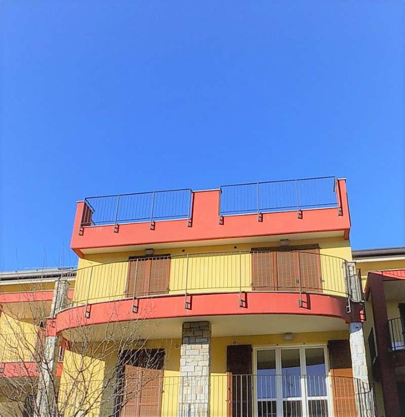 Appartamento in vendita a Lonate Ceppino, 2 locali, prezzo € 125.000 | Cambio Casa.it