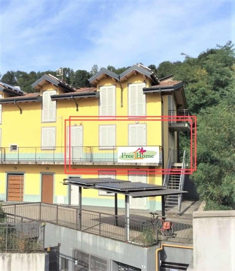 Appartamento in vendita a Gavirate, 3 locali, prezzo € 89.000 | Cambio Casa.it