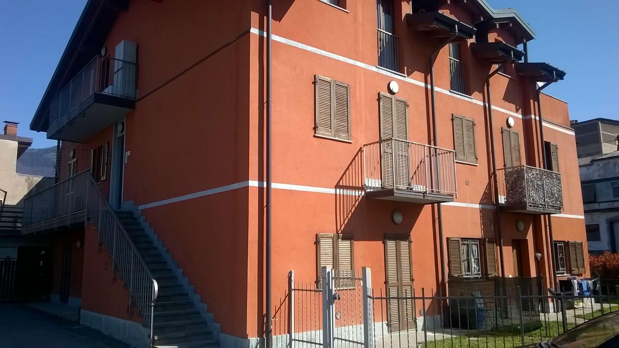 Appartamento in vendita a Gemonio, 3 locali, prezzo € 140.000 | Cambio Casa.it
