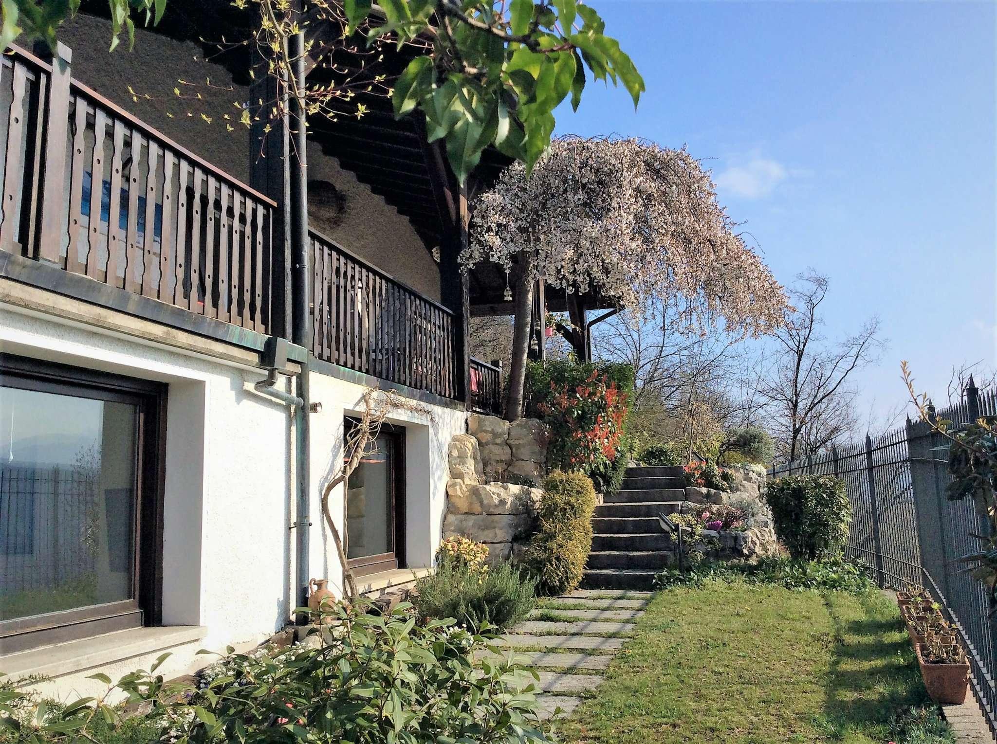 Villa in vendita a Castello Cabiaglio, 9 locali, prezzo € 450.000 | Cambio Casa.it