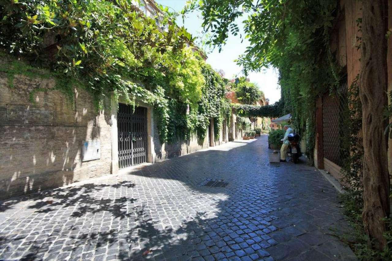 Loft / Openspace in vendita a Roma, 2 locali, zona Zona: 1 . Centro storico, prezzo € 1.190.000   Cambio Casa.it