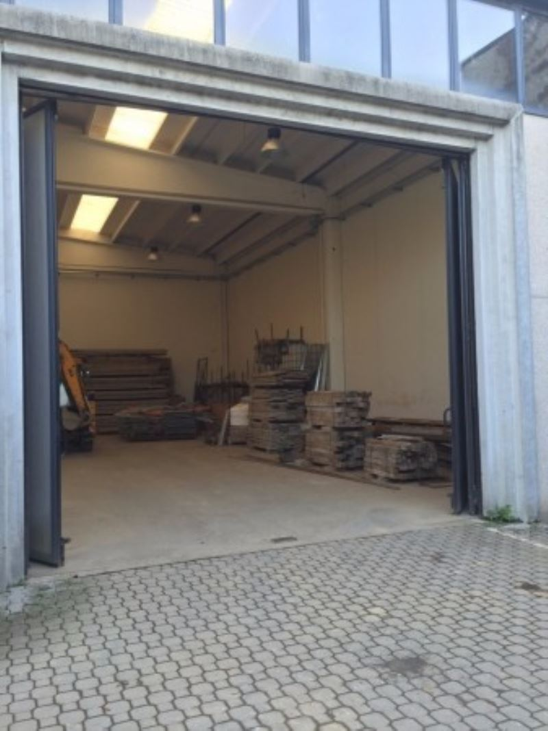 Capannone in vendita a Cernusco sul Naviglio, 6 locali, prezzo € 370.000 | Cambio Casa.it