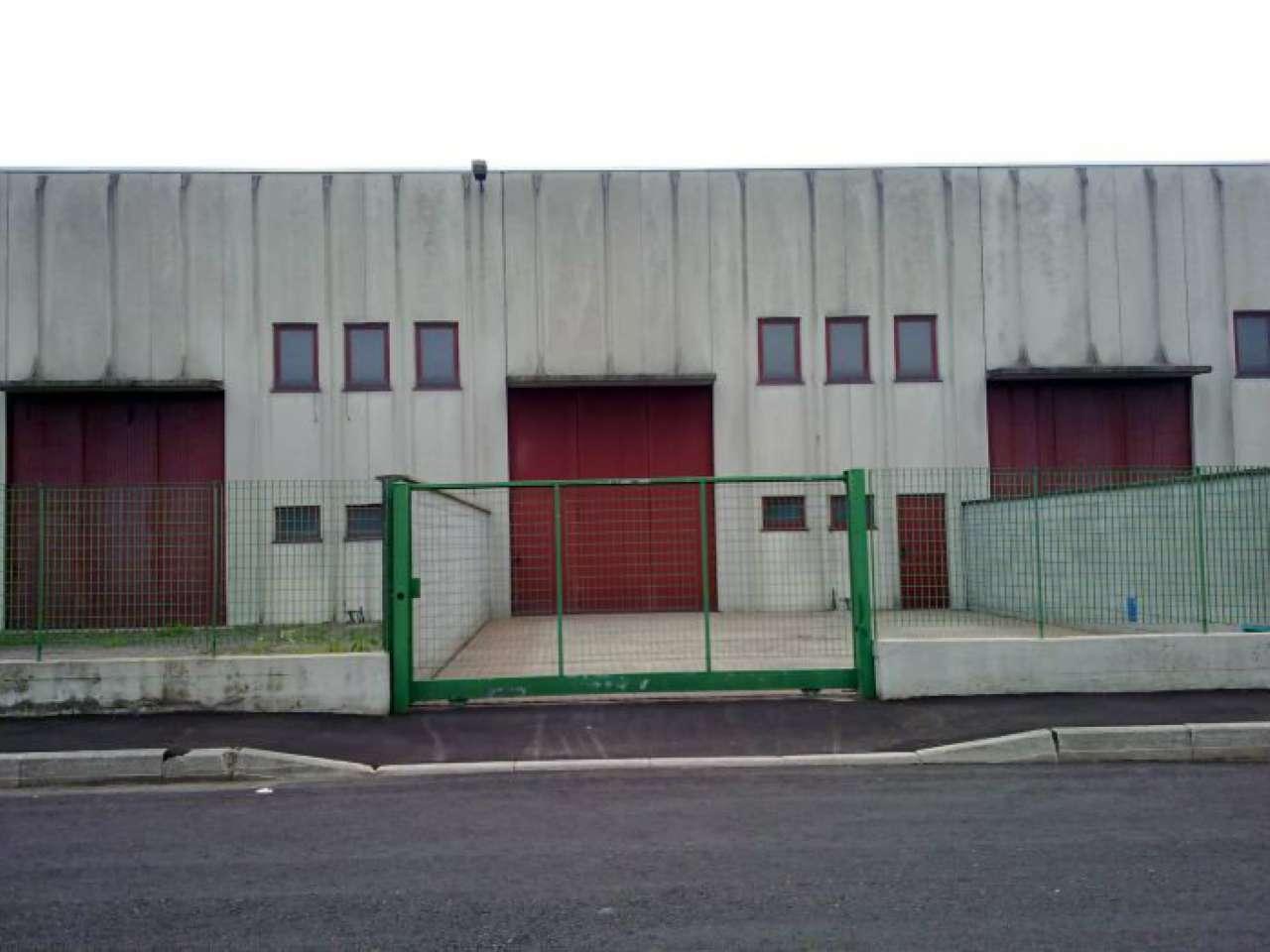 Capannone in affitto a Agrate Brianza, 2 locali, prezzo € 1.000   Cambio Casa.it