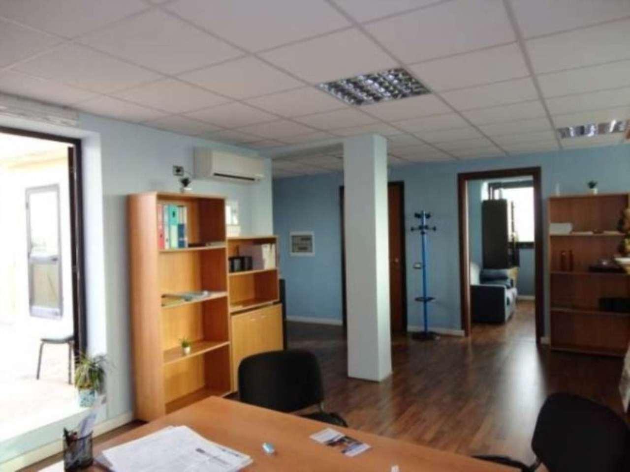 Ufficio / Studio in vendita a Pomezia, 4 locali, prezzo € 116.000 | Cambio Casa.it