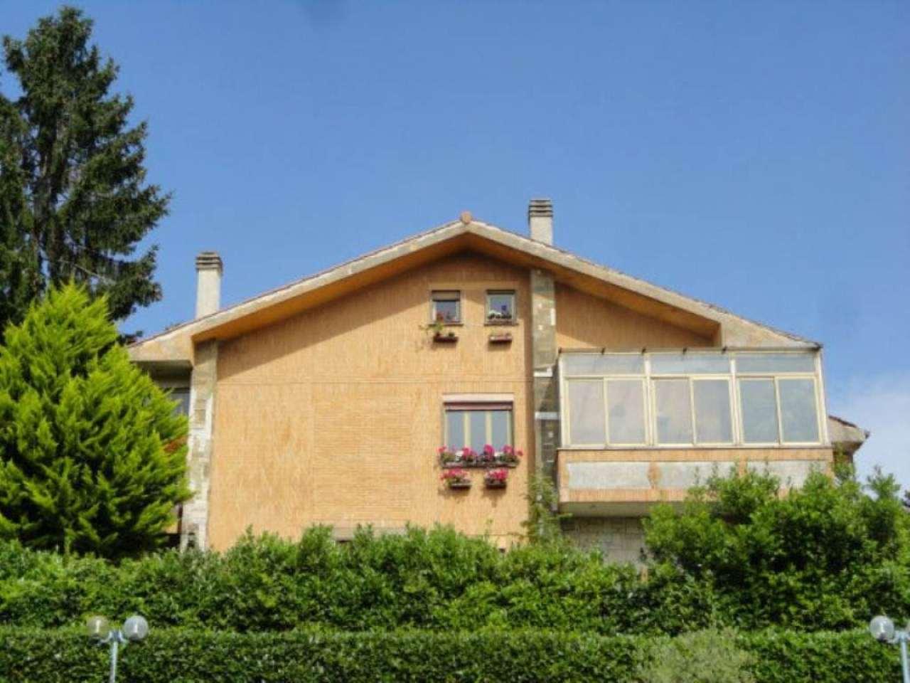 Villa Bifamiliare in vendita a Nemi, 10 locali, prezzo € 280.000 | Cambio Casa.it
