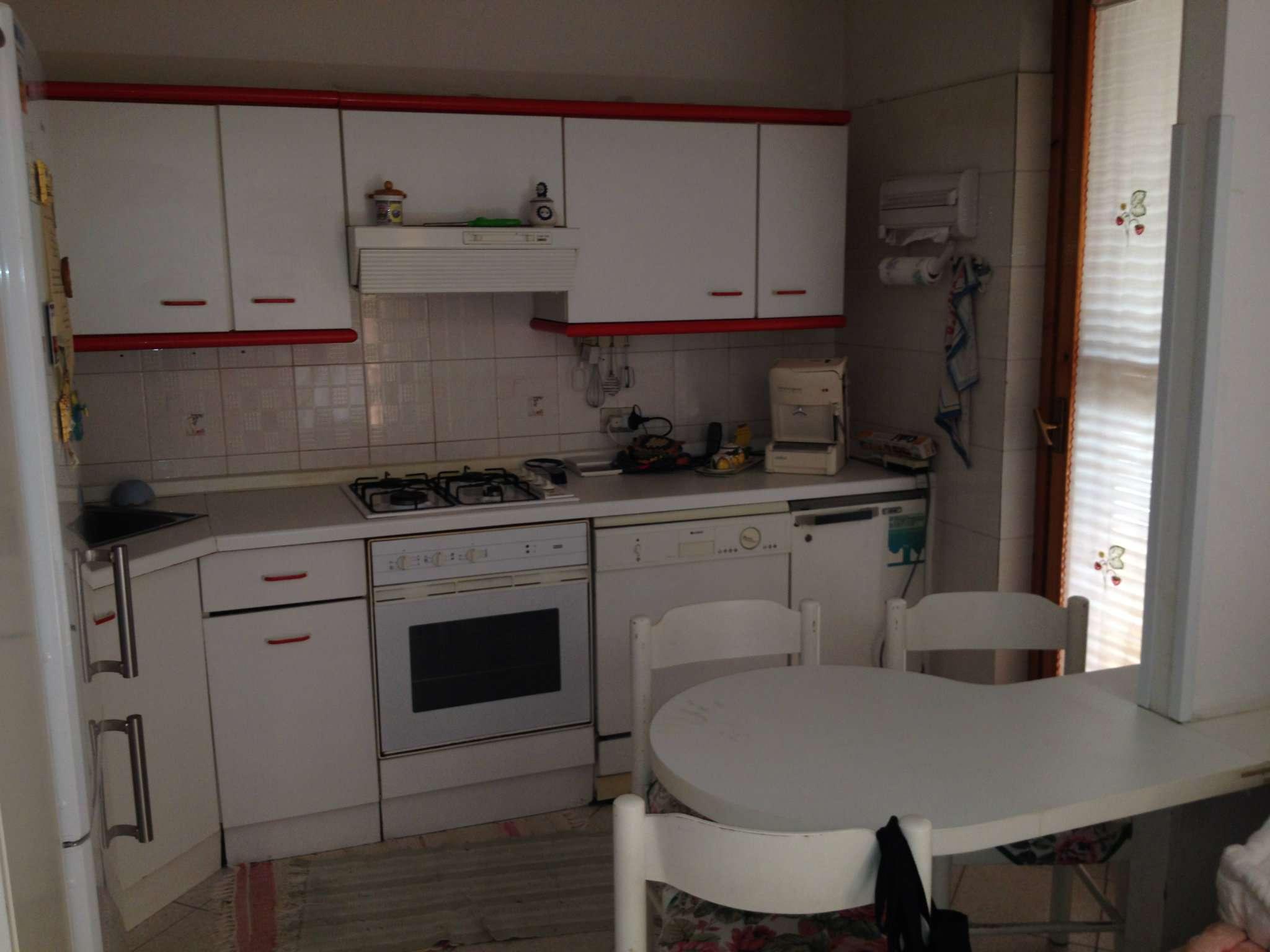 Soluzione Indipendente in vendita a Ardea, 5 locali, prezzo € 135.000   Cambio Casa.it