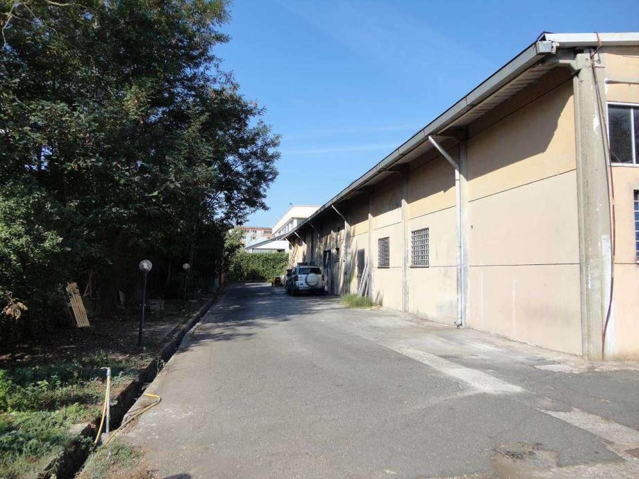 Magazzino in affitto a Pomezia, 1 locali, prezzo € 700 | CambioCasa.it