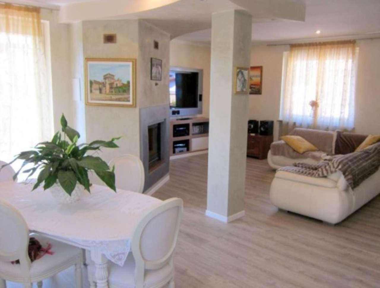 Soluzione Indipendente in vendita a Somma Lombardo, 6 locali, prezzo € 349.000 | Cambio Casa.it