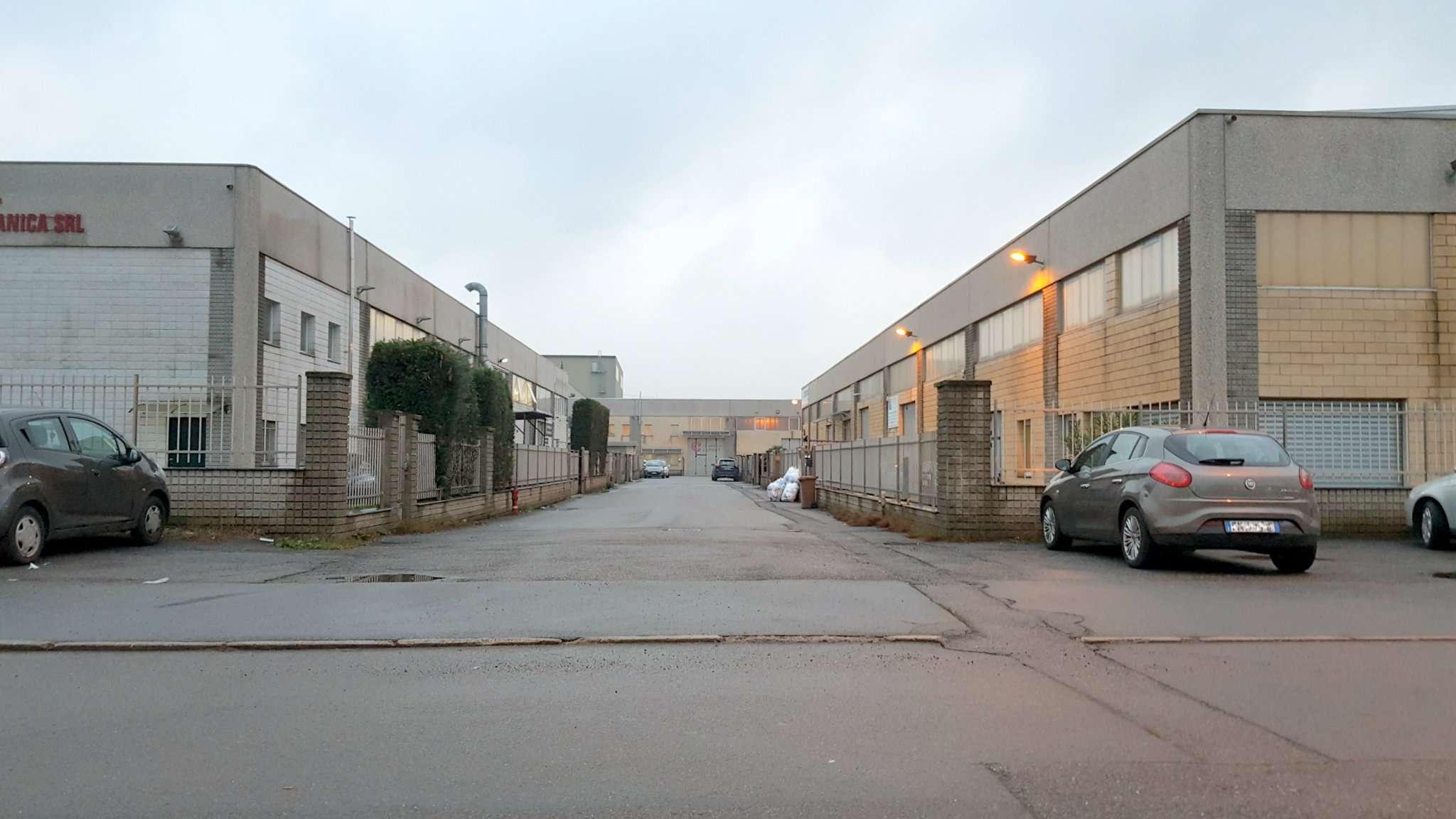 Capannone in vendita a Origgio, 9999 locali, prezzo € 180.000 | Cambio Casa.it