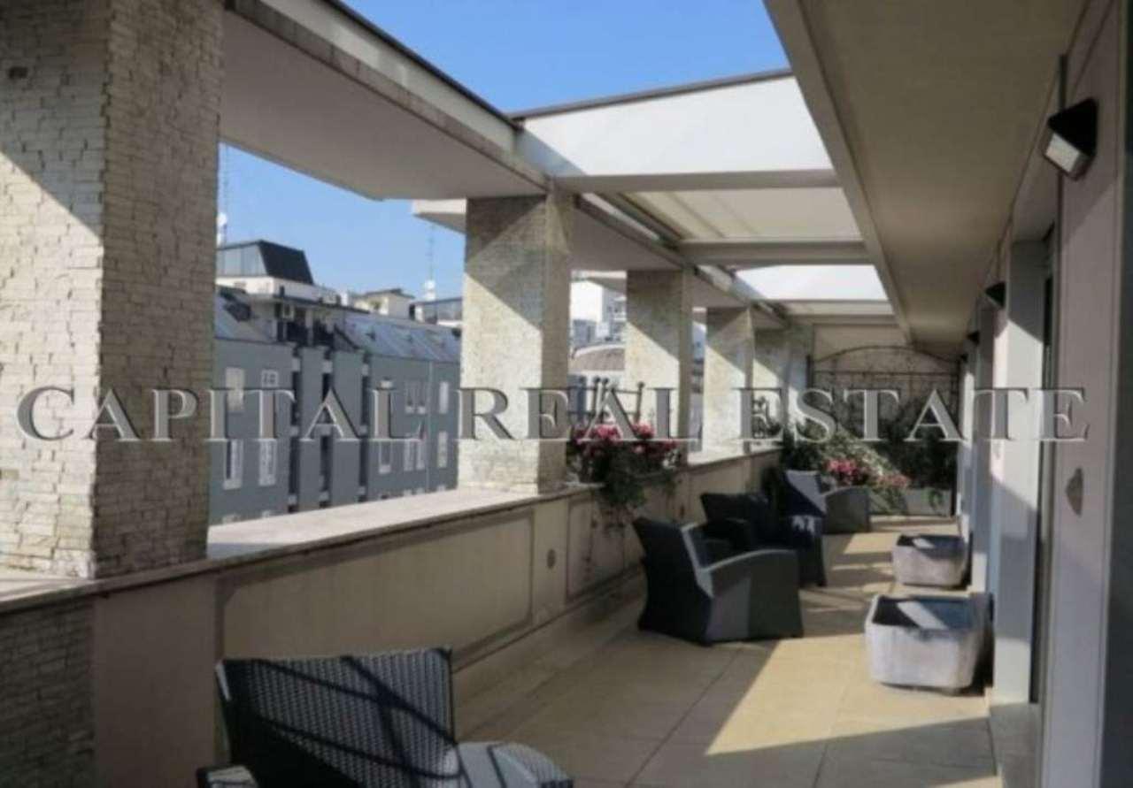 Appartamento in Vendita a Milano 01 Centro storico (Cerchia dei Navigli): 5 locali, 220 mq
