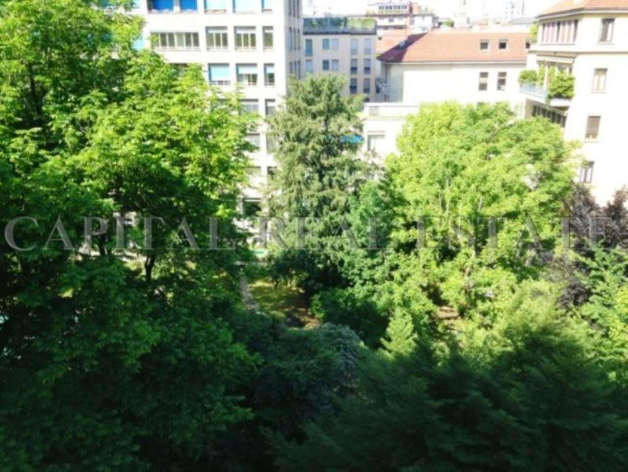 Appartamento in Vendita a Milano 01 Centro storico (Cerchia dei Navigli): 5 locali, 320 mq